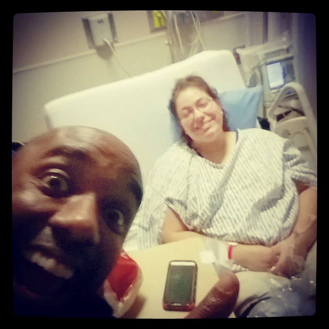 Post-knee surgery selfie!  Poknurgelfie!  #selfiegram