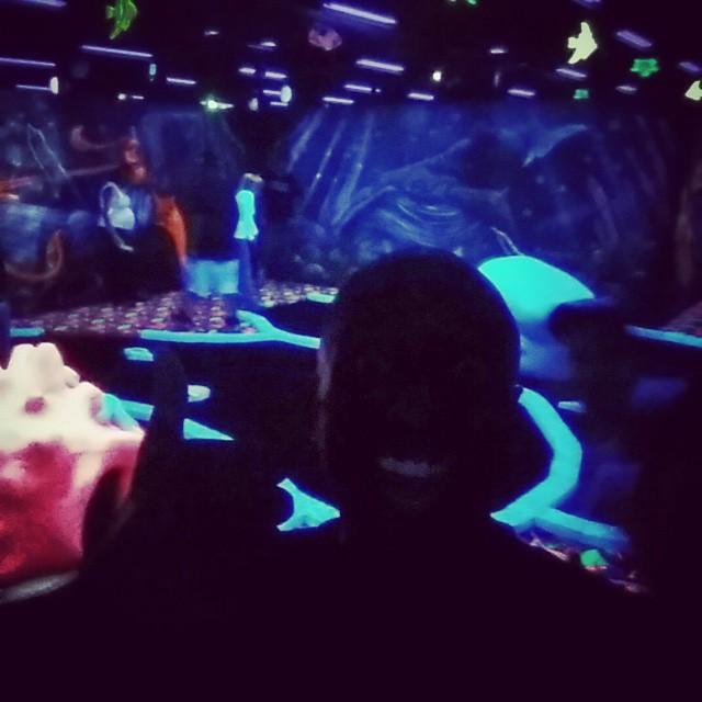 Black light mini-golf selfie!  Blimigelfie!  #selfiegram