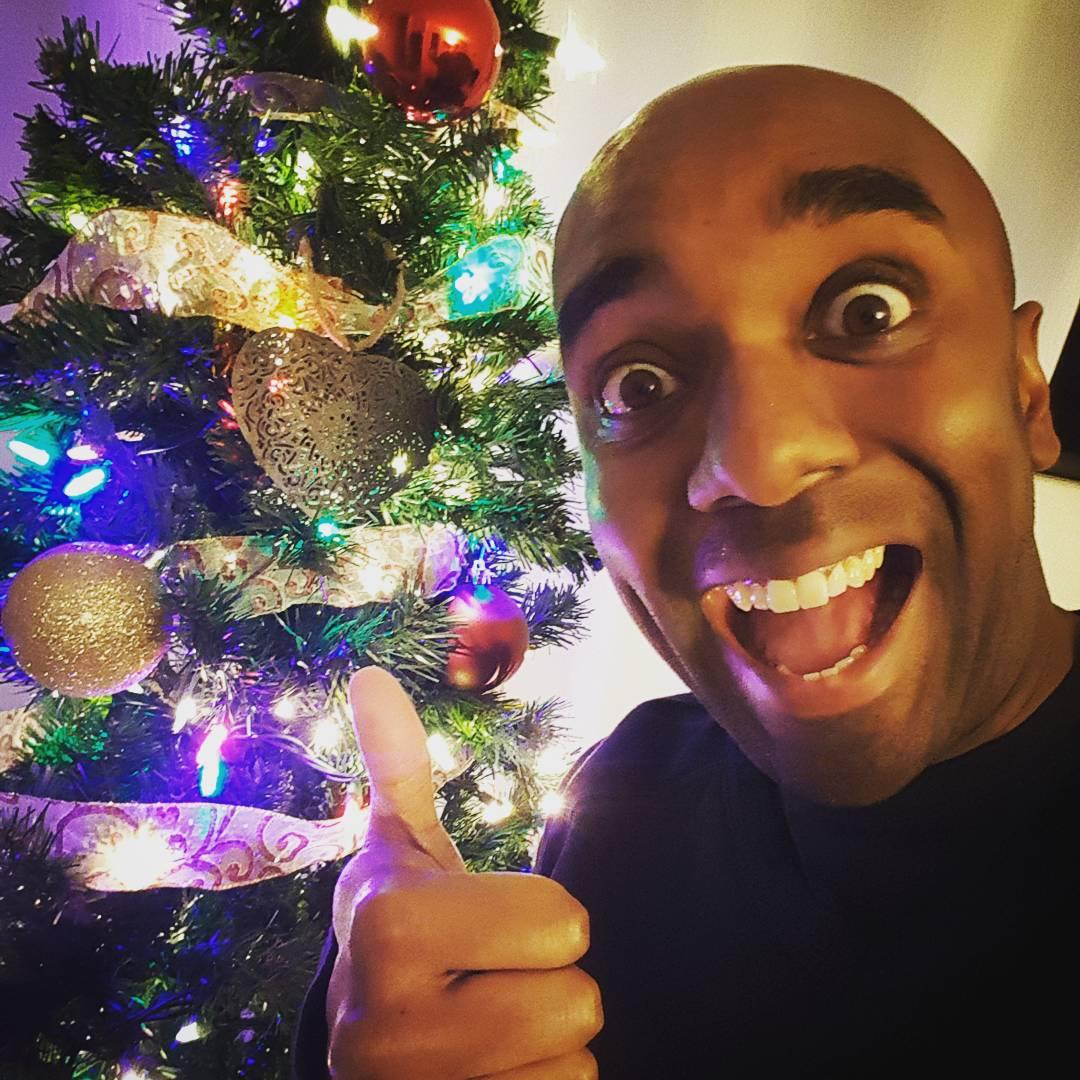 Christmas tree selfie!  Chrtrelfie!  #selfiegram #ihelped