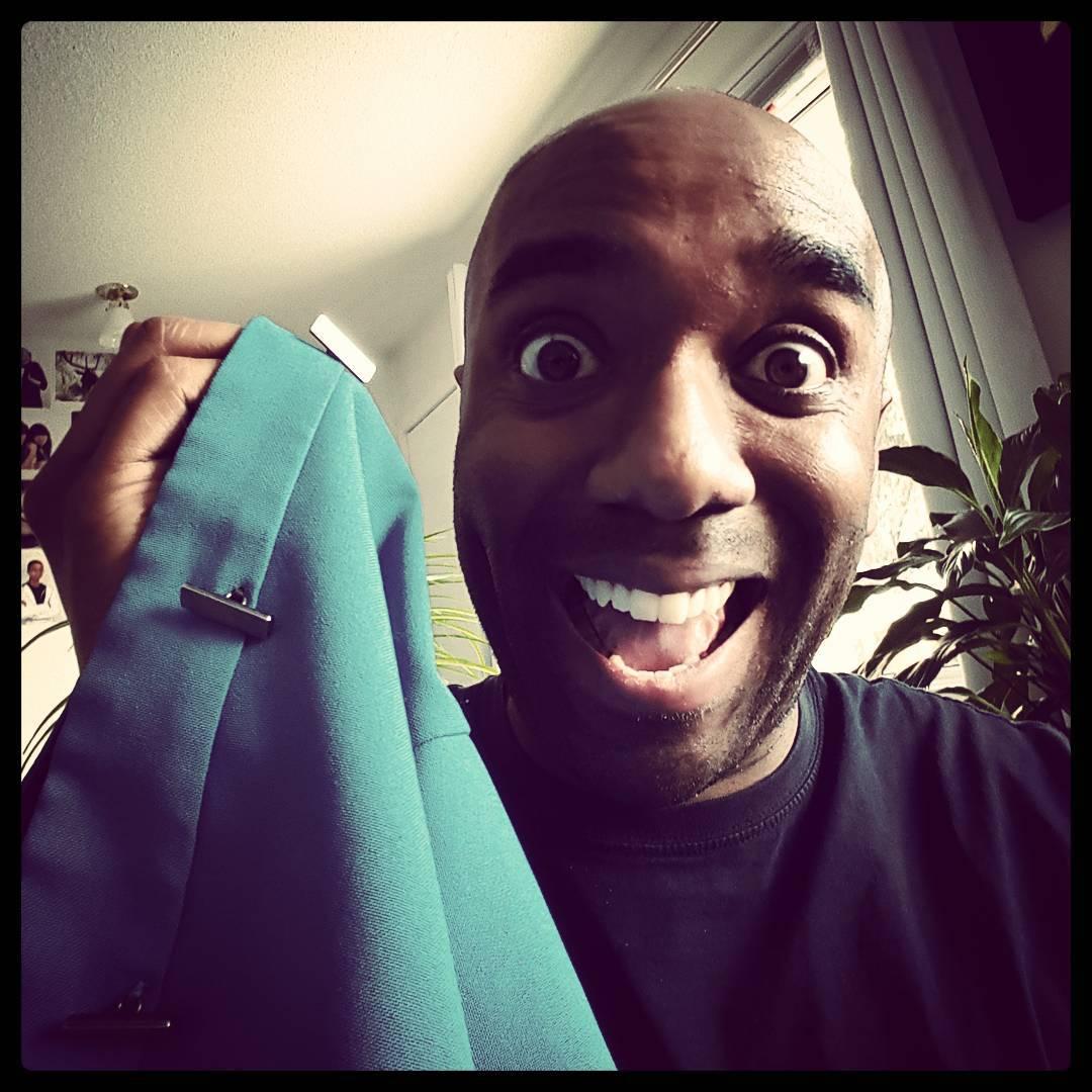 Button sewing selfie!  Buttsewelfie! #selfiegram #notmyshirt #yolo #swag #yoloswag