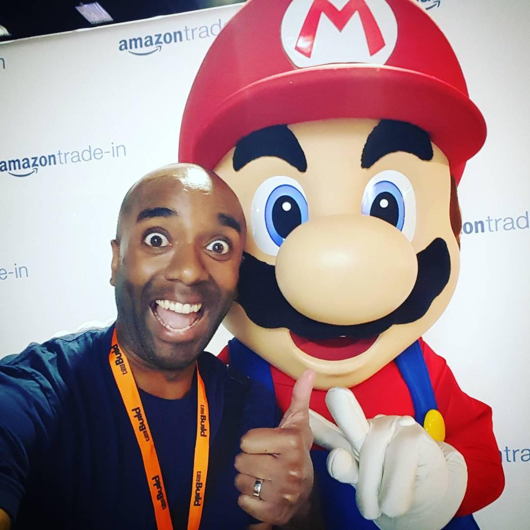Mario selfie!  Marelfie! #selfiegram #twitchcon #poorpersoninamariosuit